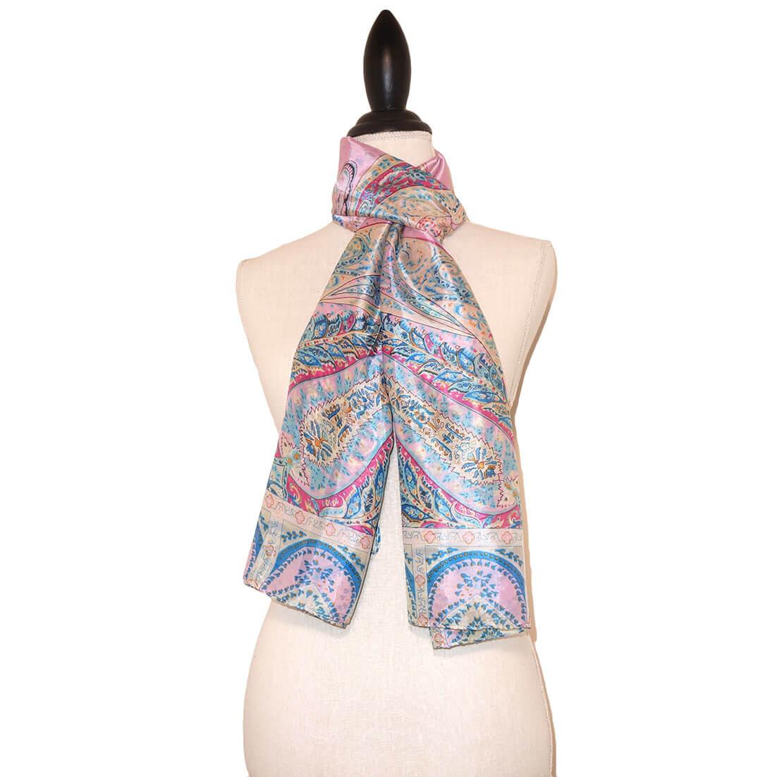 Langwerpige Lichtroze Zijde Sjaal met Mooie Print-0