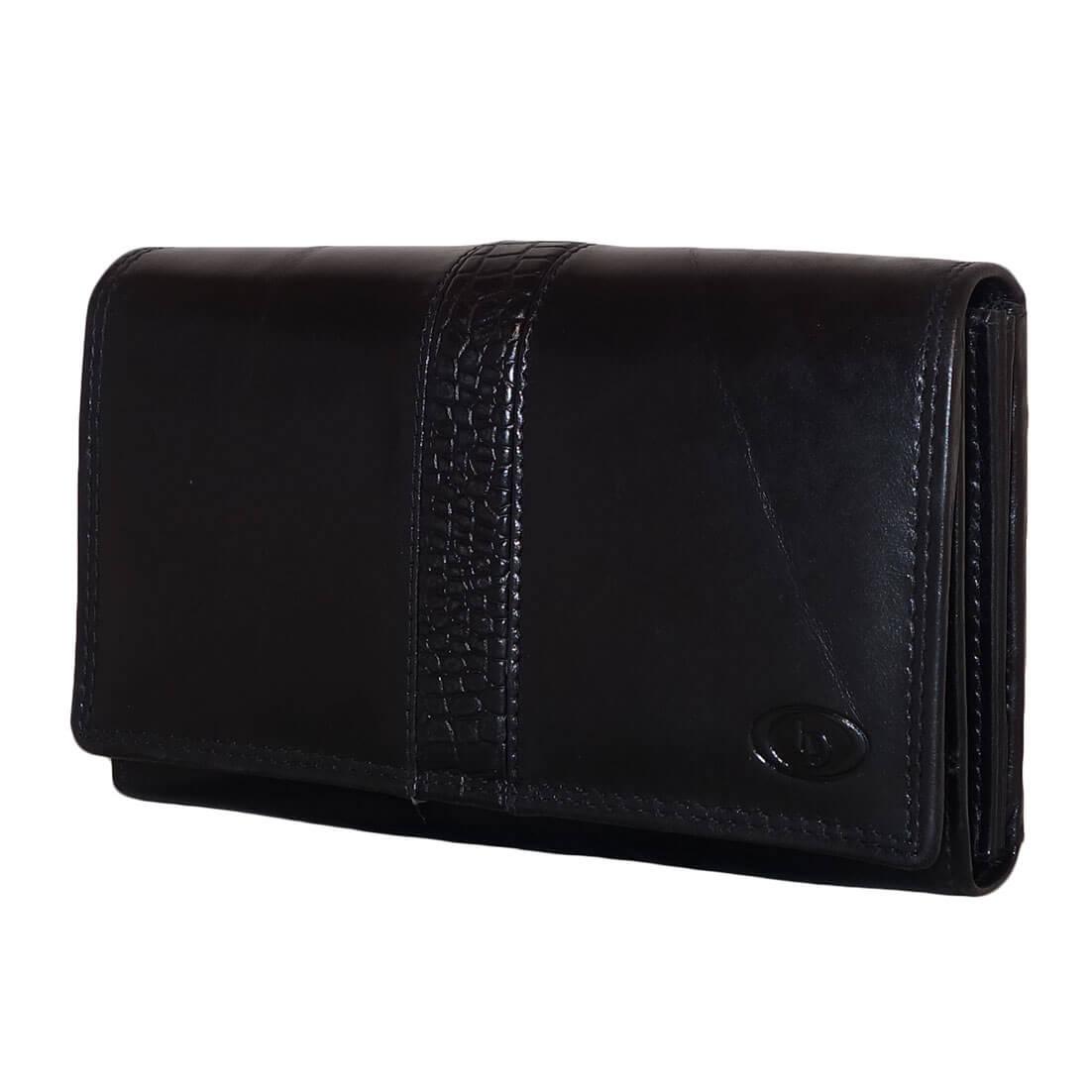 c3b07454eba Leuke dames Leather Design portemonnee met overslag. De portemonnee is  gemaakt van prachtig echt leer, het leer is soepel en voelt goed aan.