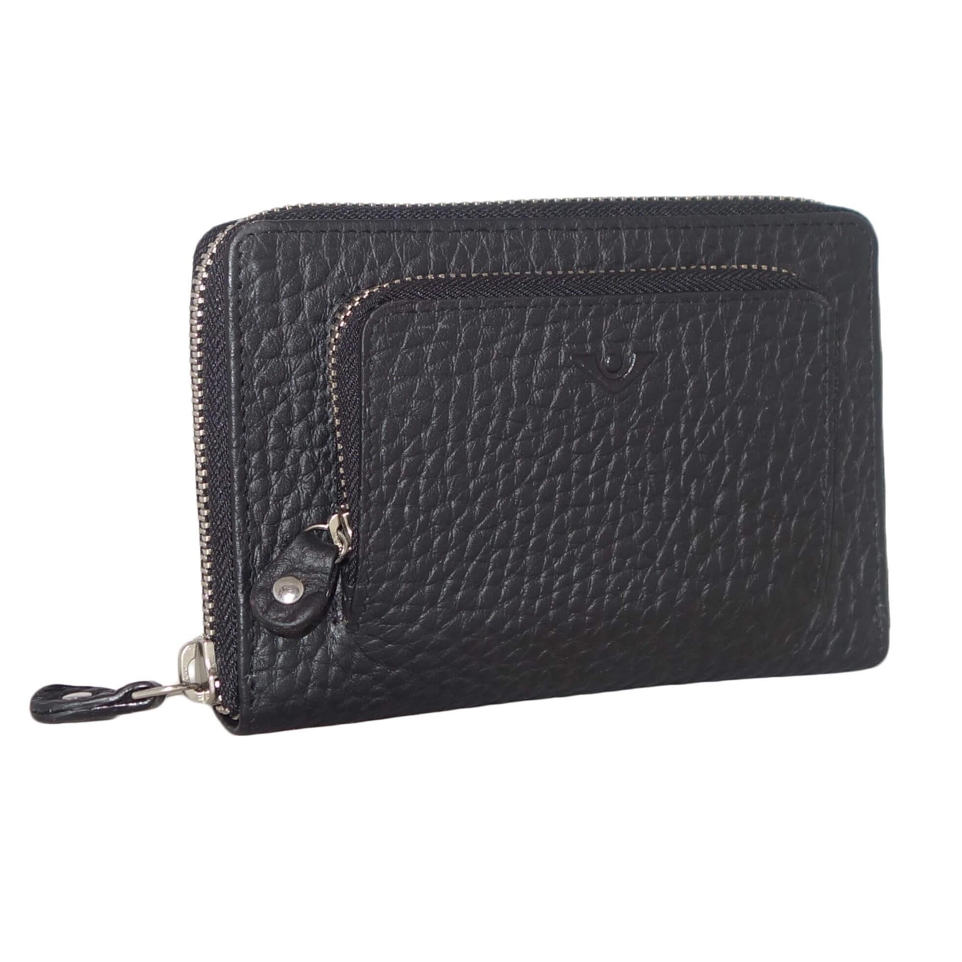 551cab048f6 Mooie ruime portemonnee met meerdere vakken van Voi. De Voi portemonnee  bezit over een middenvak voor pasjes en briefgeld, een zijvak voor extra  pasjes en ...