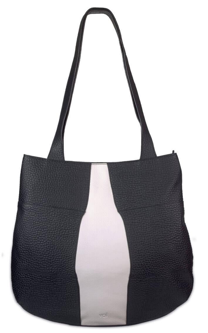 1f905089c92 Prachtige echt leren handtas/shopper van Voi. De tas gemaakt van hoogwaardige  kwaliteit leer voelt soepel aan. De tas beschikt over een ruim hoofdvak met  ...