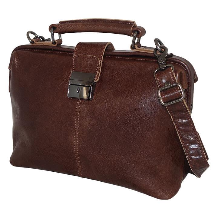 0f254b93c06 Echt leren dokterstas van het merk Leather Design. De tas sluit met een  overslag met tt slot. In het ruime hoofdvak zit een ritsvak, een verdeler  met ...