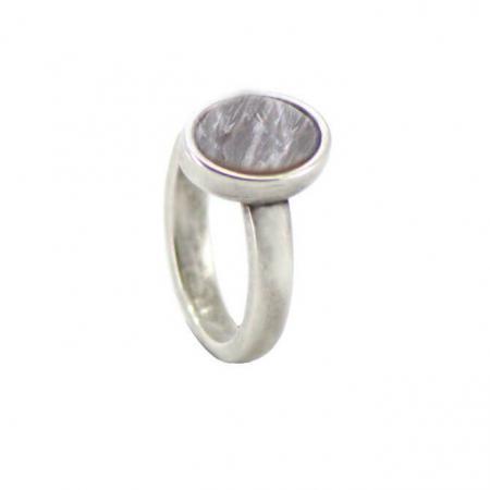 Qoss Ring Door Ovale Grijze Steen
