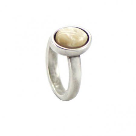 Qoss Ring Door Ovale Crème Steen